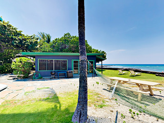 Idyllic 1BR Oceanfront Cottage