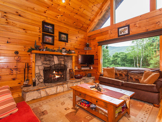 Big 3BR Cabin w/ Hot Tub & Game Room- Near Slopes