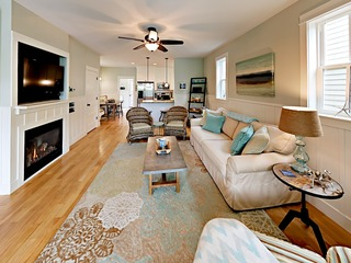 2BR w/ Pool & Private Hot Tub, Steps to the Beach