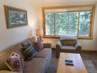 Mountainside Condo- Walk to Northstar Village