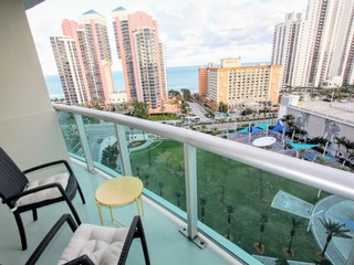 Large 1 Bedroom Ocean View with great amenities!