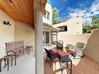 2 Master Suites & Outdoor Living- Walk to Plaza