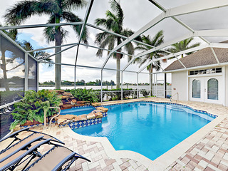 Lake Kennedy 4BR w/Dock, Pool & Spa