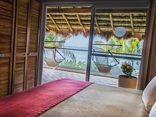 Las villas Akumal 209B Beachfront 2 Bedroom 2nd Floor