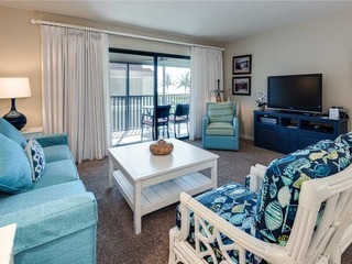 #122 Sanibel Moorings Gulf Front