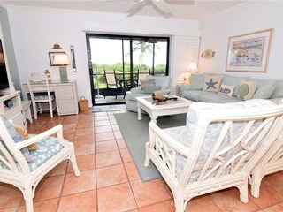 #511 Sanibel Moorings Gulf Front