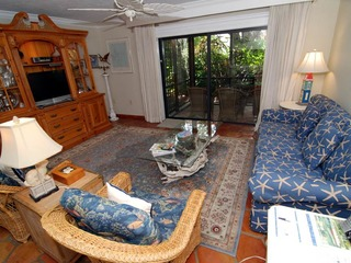 #1031 Sanibel Moorings Courtyard View