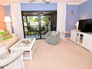 #912 Sanibel Moorings Courtyard View