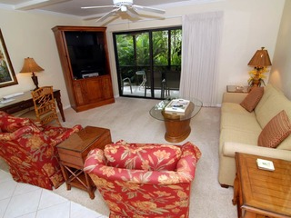#811 Sanibel Moorings Courtyard View
