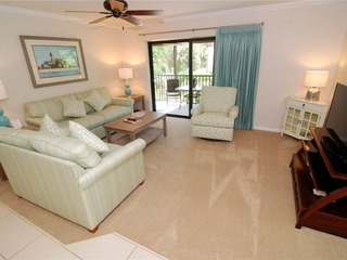 #812 Sanibel Moorings Courtyard View