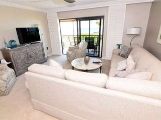 #1122 Sanibel Moorings Gulf Front