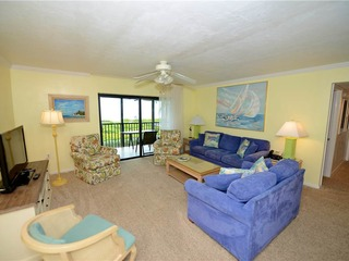 #1112 Sanibel Moorings Gulf Front