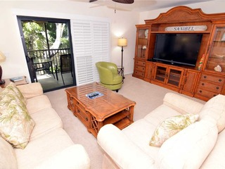 #442 Sanibel Moorings Courtyard View