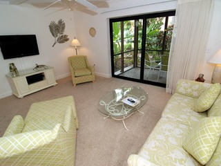 #611 Sanibel Moorings Courtyard View