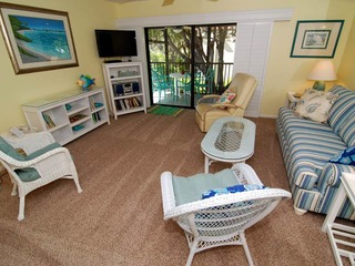 #1042 Sanibel Moorings Courtyard View