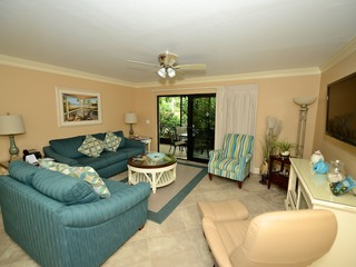#1421 Sanibel Moorings Dockside