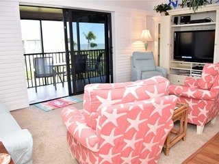 #722 Sanibel Moorings Gulf Front