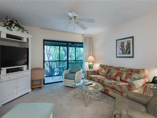#942 Sanibel Moorings Courtyard View