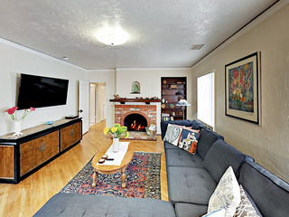 3BR Downtown Oasis!