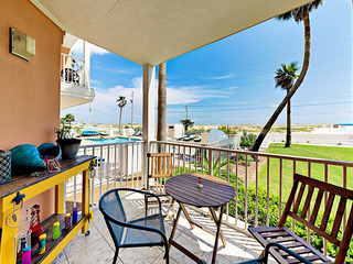 Resort 1BR by the Beach w/ Gulf-View Patio