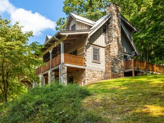 Serene 4BR Mountain Retreat