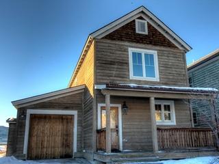 Buckhorn House- 1043