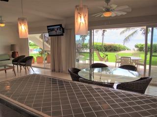 Las Villas Akumal 107 2 Bedroom Beachfront Ground Floor