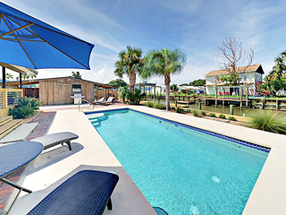 Modern 4BR w/ Pool & Dock on Canal