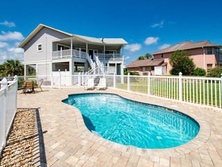 Beachside 2BR w/ Private Pool & Partial Sea Views