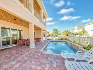 6BR w/ Private Pool & Ocean View