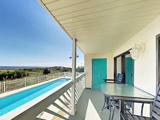 Newly Updated Oceanfront 3BR w/ Pool