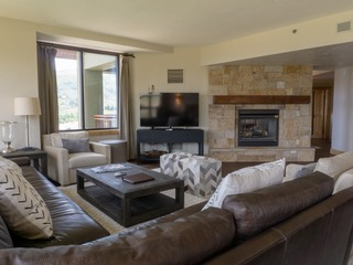 3 Bedroom Penthouse in Canyons Village