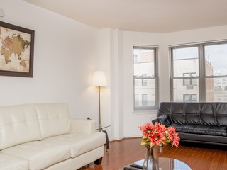 2Br Fully Furnished Apt in Downtown Area- Great location