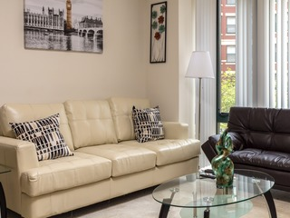 Fully Furnished 2 Br Apt near Thomas Circle