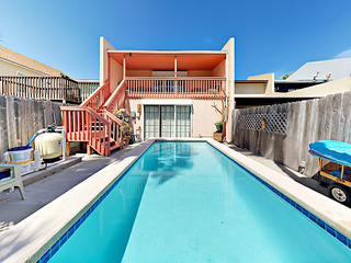 Newly Remodeled 3BR w/ Private Pool, Near Beach