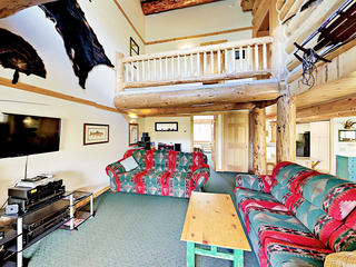 Wildernest 6BR Lodge w/ Hot Tub, Near Slopes