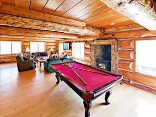 Huge 6BR w/ Hot Tub & Views- Near Ski Resorts