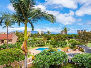 Ocean View from Lanai, Walk to Beach- 2BR w/ Pool