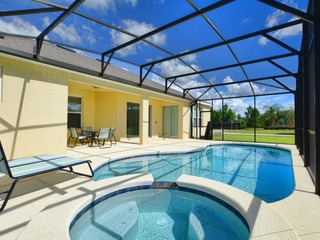 5 Bed house w Pool & Spa in Watersong 7052WS