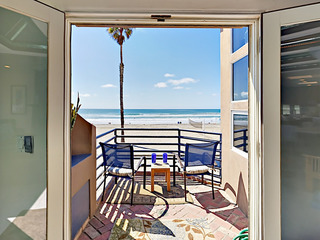 3BR Boardwalk Beauty w/ Patio, Balcony & Epic View