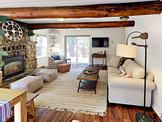 Cutest Donner Lake Cabin! 3BR + Loft, New Listing