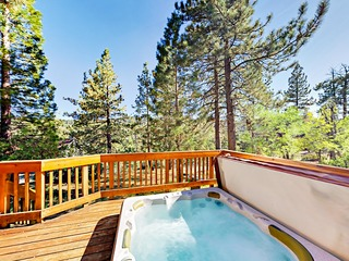 Half-Mile to Lake- 4BR w/ Hot Tub