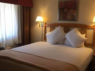 Hotel Aspen Standard Queen Room