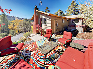 Luxe 2BR w/ Big Mountain Vistas & Private Hot Tub