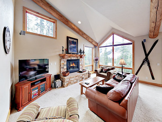 3BR w/ Hot Tub & Ski Area Views – Near Slopes