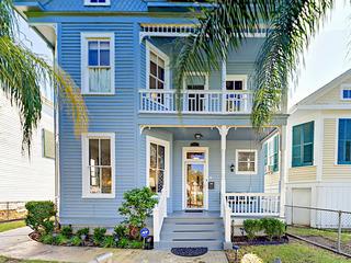 Avenue O Home