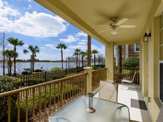 4 Bed / 2 Bath Luxury Lakeview