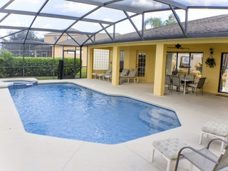 Florida Villa With Large Pool Area with Spa!