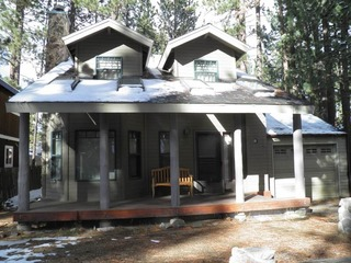 3331 Deer Park Remodeled Cabin with a Hot Tub