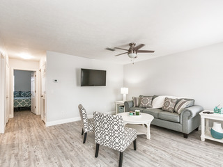 Chic & Airy 2BR- Newly Remodeled, Walk to Beach!